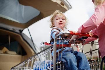 ที่นั่งเด็กในรถเข็นสินค้า